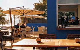 Mallorca a hotel Azul Playa s terasou