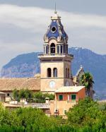 Mallorská Santa Maria del Camí s kostelem